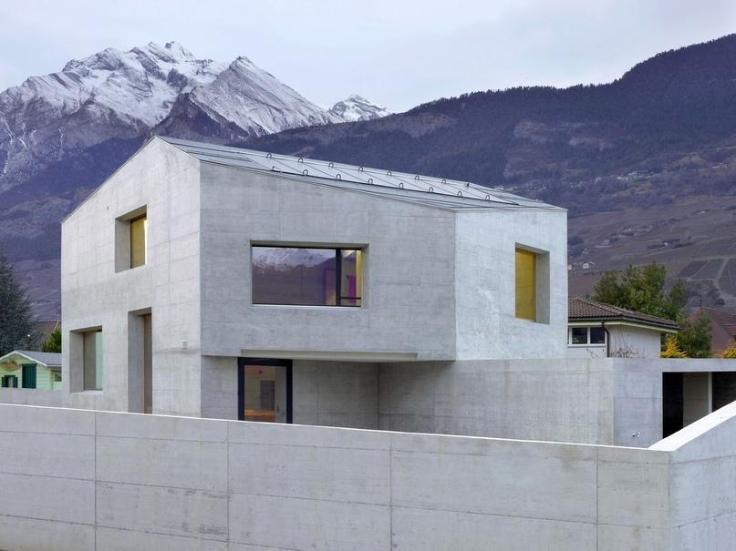 Дом с видом на Альпы в Швейцарии