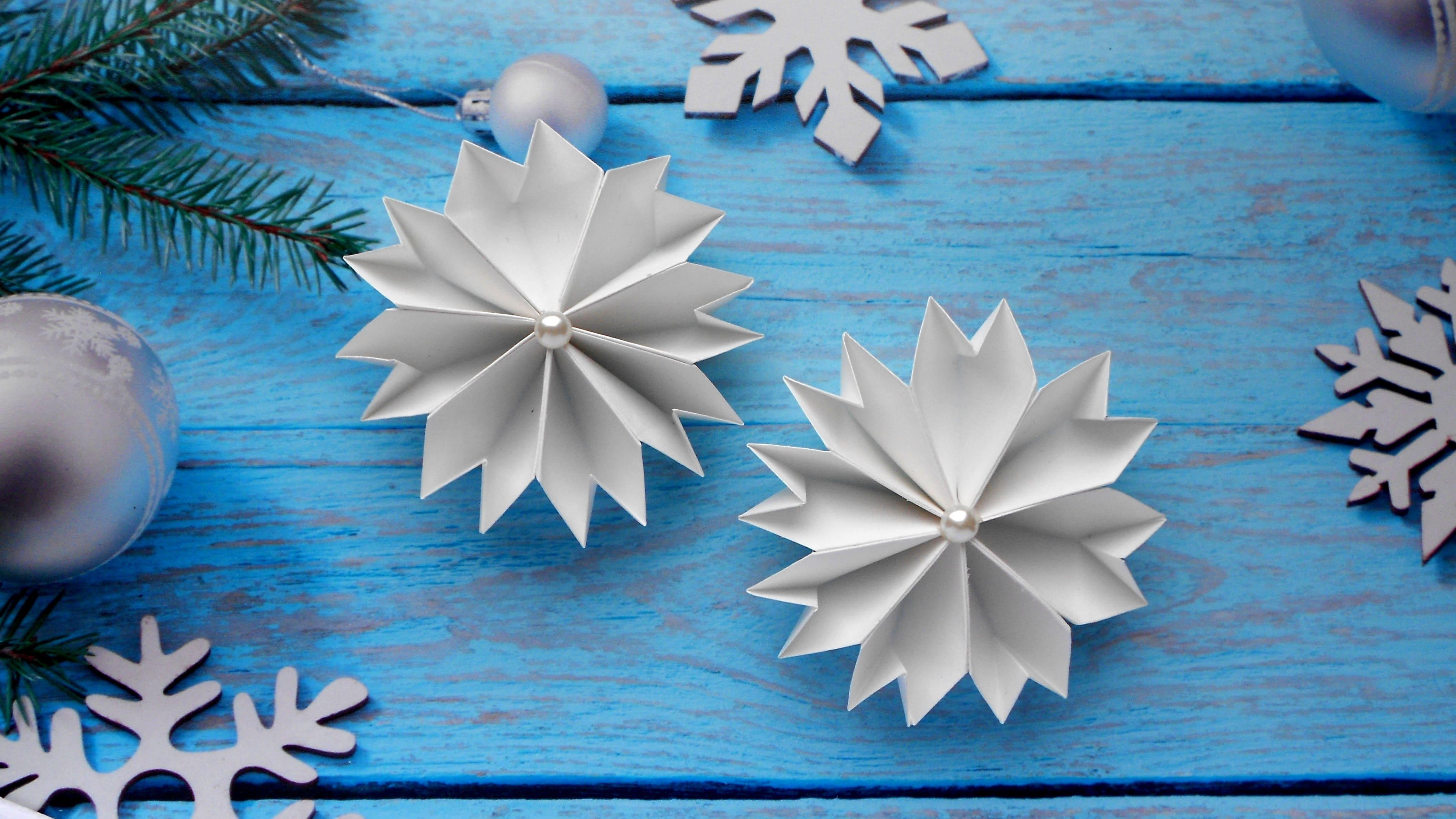 Как сделать снежинки оригами на новый год фото 481