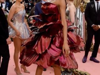 стеклянное платье 1