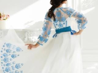 Платье с вышивкой 2